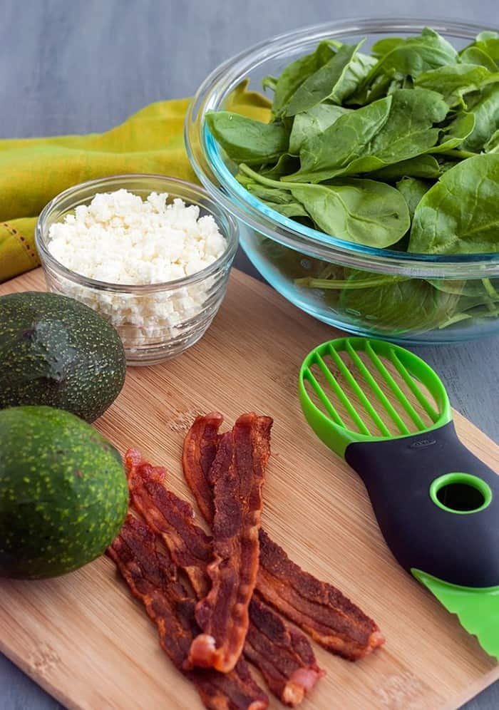 If you're looking for a simple dinner salad that's healthy and filling, this recipe for low carb bacon salad with avocado and cheese is a must make! Packed with protein from the bacon and healthy, unsaturated fats from the avocado, it'll fill you the great taste you deserve and the low carbs that you want.