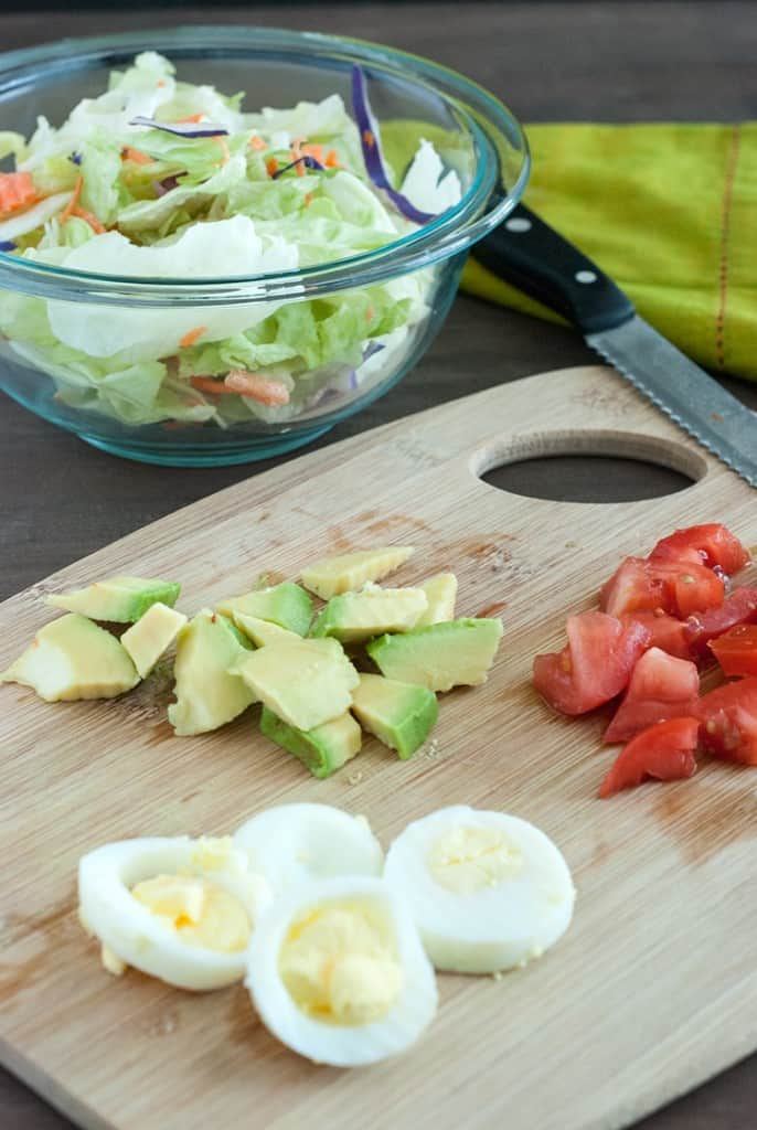 Cobb Mason jar Salads - A simple yet delicious cobb salad thats perfect when on the go.