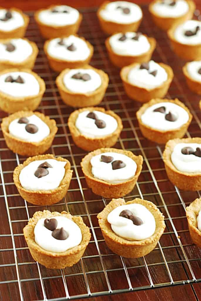 Low Carb Cannoli Bites - simple, tasty, bite-sized cannolis.
