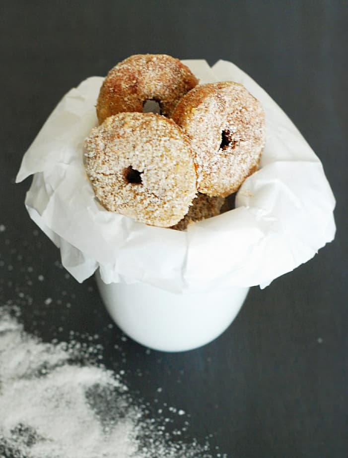 Low Carb Cinnamon Sugar Doughnuts - these baked treats are perfect for breakfast or as dessert. And there sugar free!